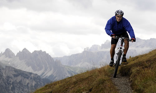 Tour guidati in mountain bike con Peter Runggaldier